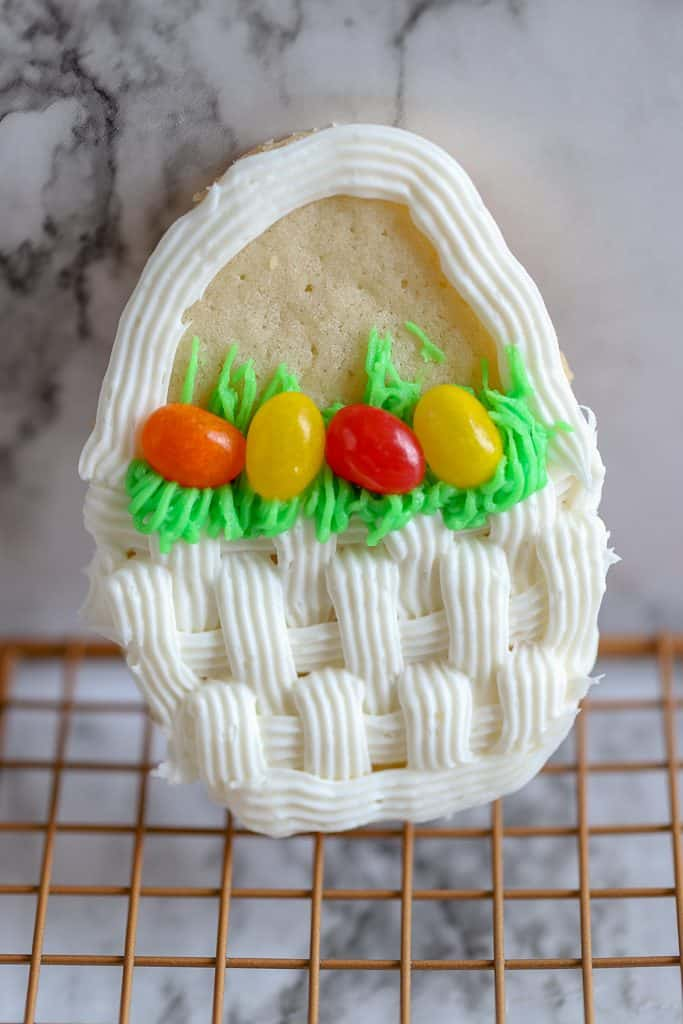 Easter Basket decorated cookie