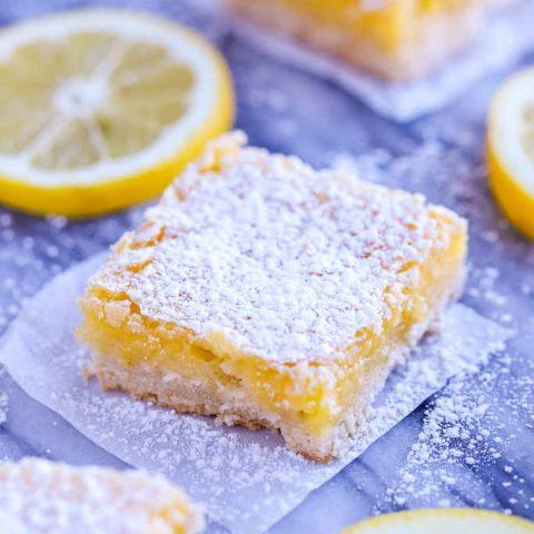 Lemon Square with lemon slices