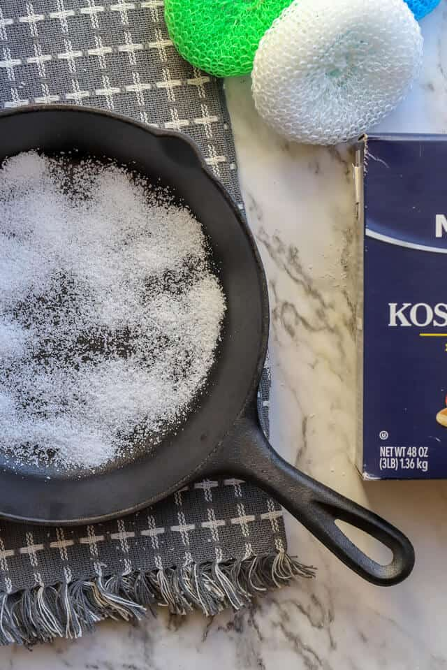 How to clean a cast iron grill pan with salt