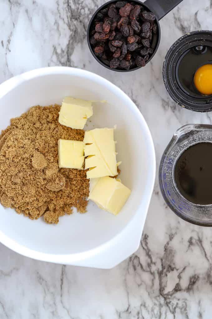 Wet ingredients for gluten free hermit bars