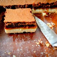 Caramel Chocolate-Shortbread Bars