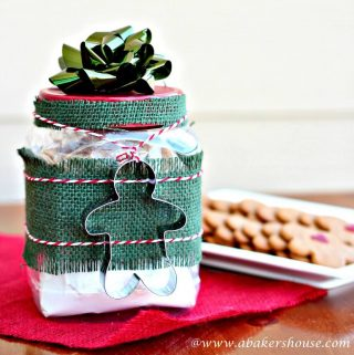 Gifts in a jar of gingerbread cookie mix