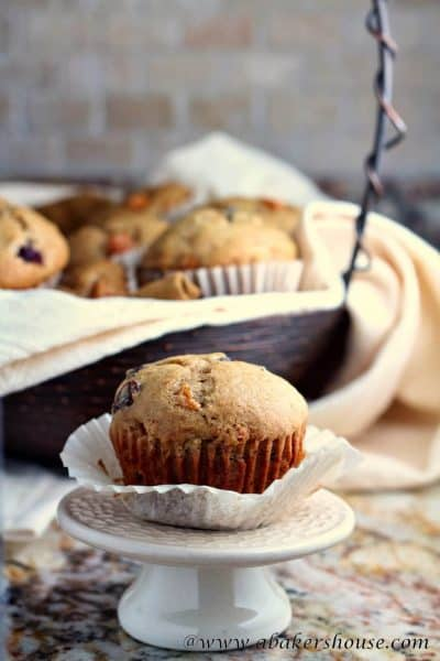 Spice muffins with persimmons