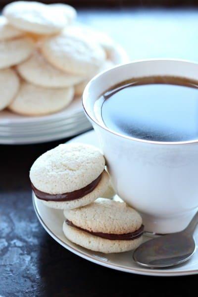 amaretti biscuits nutella