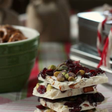 White Chocolate Pretzel Bark with #Sprouts #IncredibleBulkBinTreatExchange