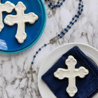 How to Decorate Cross Cookies