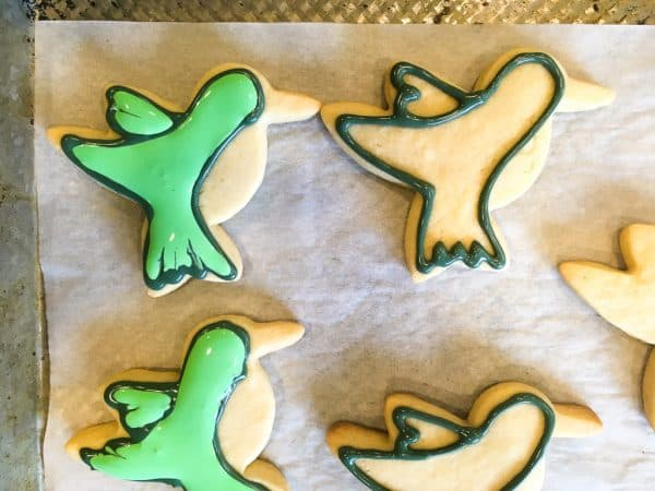 royal icing for hummingbird decorated cookies