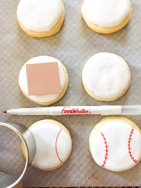 how to make the red stitches on the baseball cookies