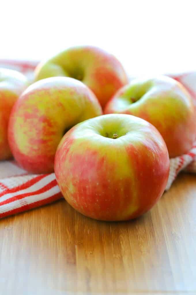 Honeycrisp apples for baking apple crumble