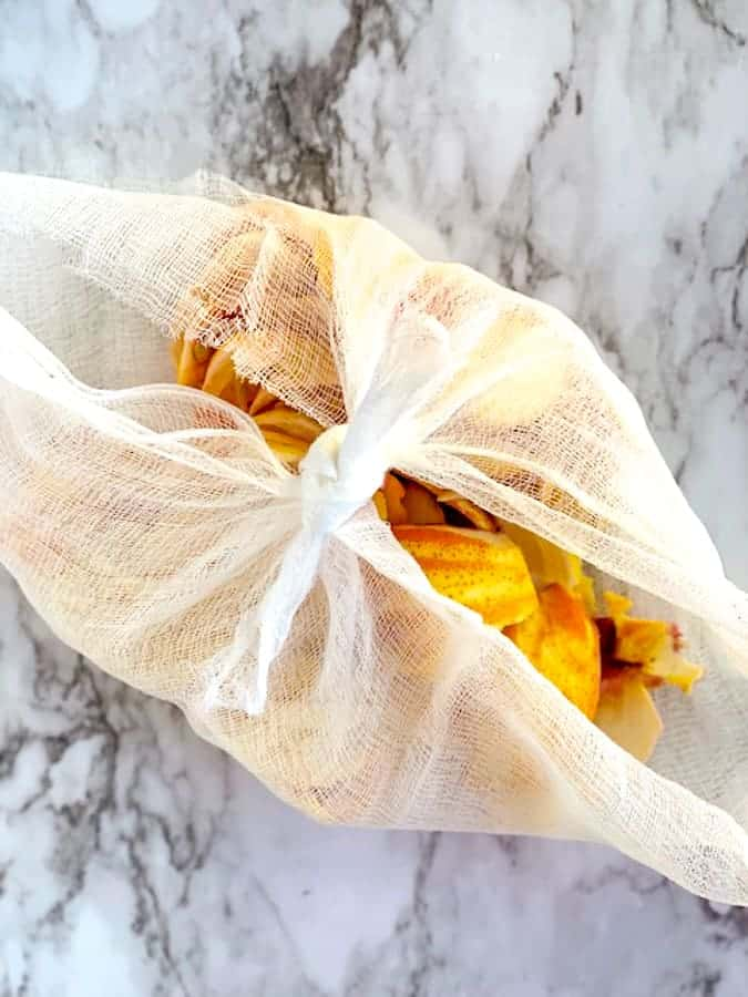How to make a cheesecloth with orange peels and seeds for making jam