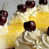 No Bake Lemon Cheesecake with Lemon Curd